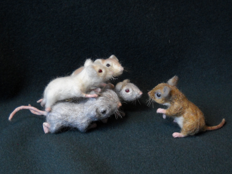 Mouse Litter 18 – Mice at War